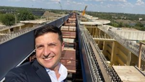 Как президент Владимир Зеленский с рабочим визитом посетил Запорожье: обзорный репортаж