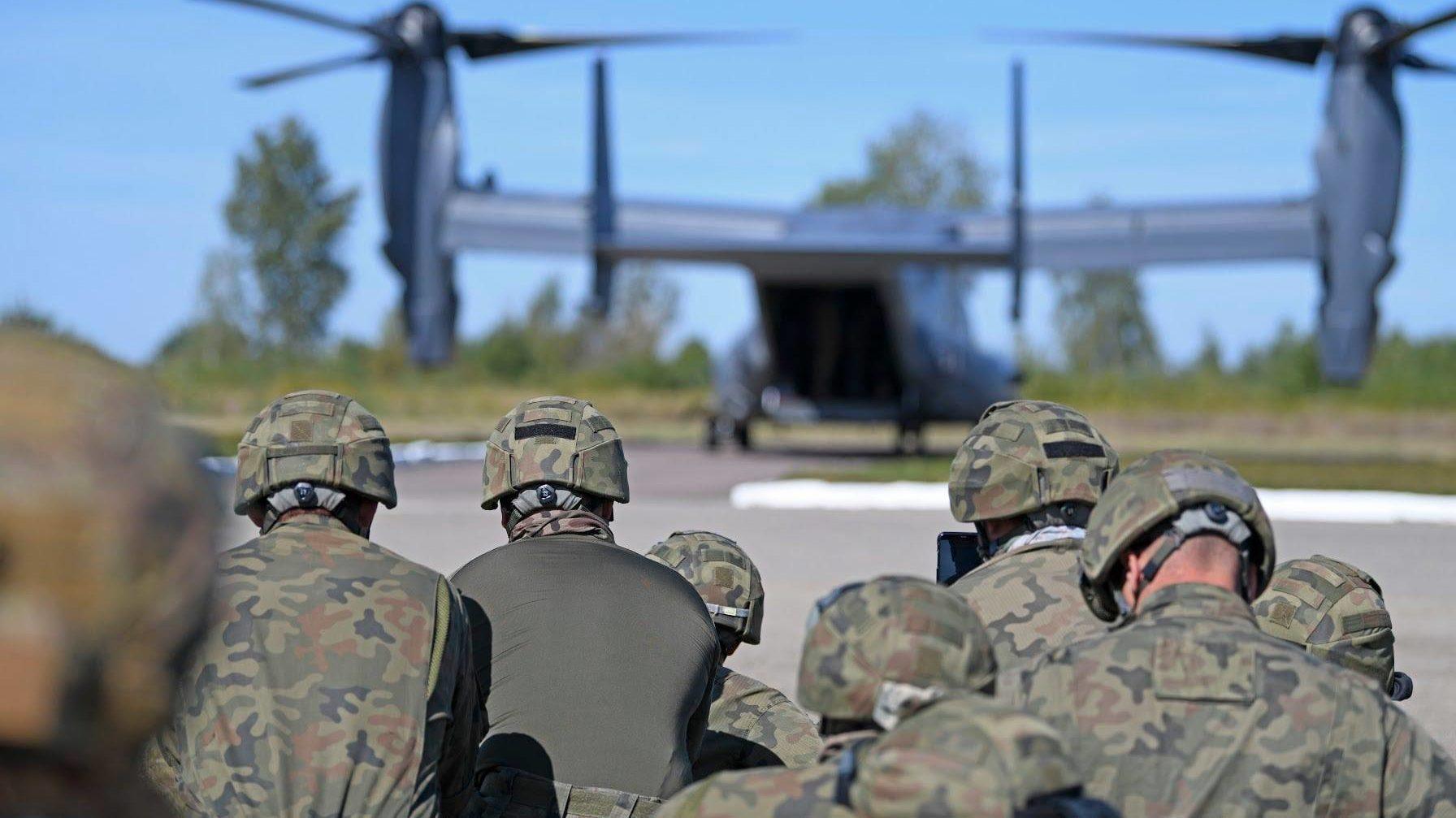 Над запорізьким небом пролетять американські військові літаки
