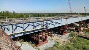 У Запоріжжі цілодобово будують новий міст на Бабурку: що вже зроблено, – ФОТОРЕПОРТАЖ