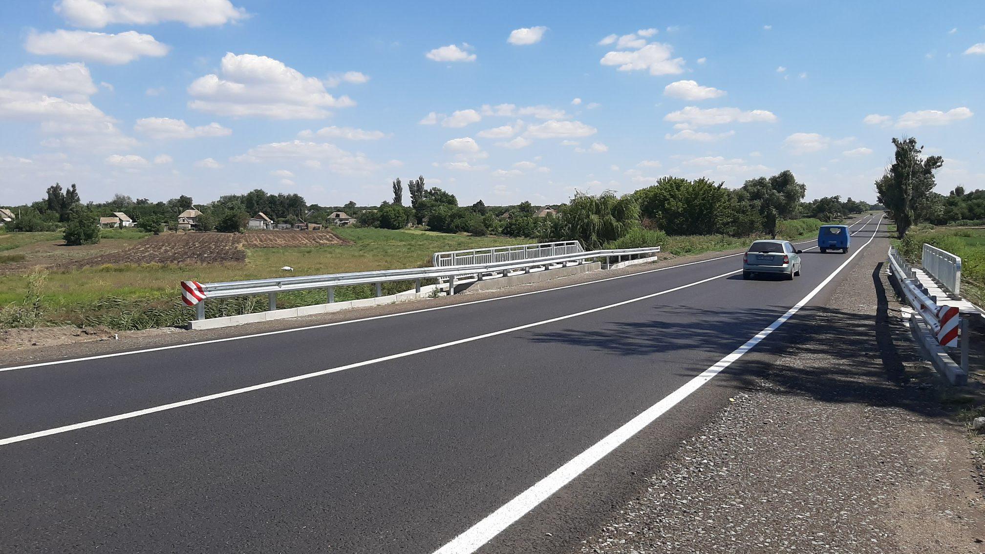 На трасі в Запорізькій області завершили будівництво нового моста, – ФОТО