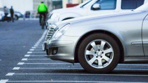 Запорожцам назвали локации коммунальных парковок возле рынков