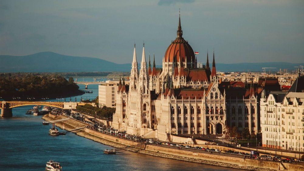 Запоріжці до жовтня не зможуть вилетіти до Будапешту напряму