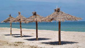 На запорожском курорте снесут дом для отдыха, который незаконно построили на побережье