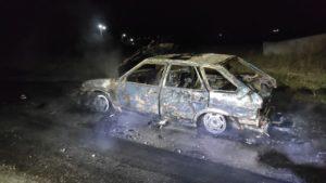 В Запорожской области возле остановки транспорта сгорел автомобиль, – ФОТО