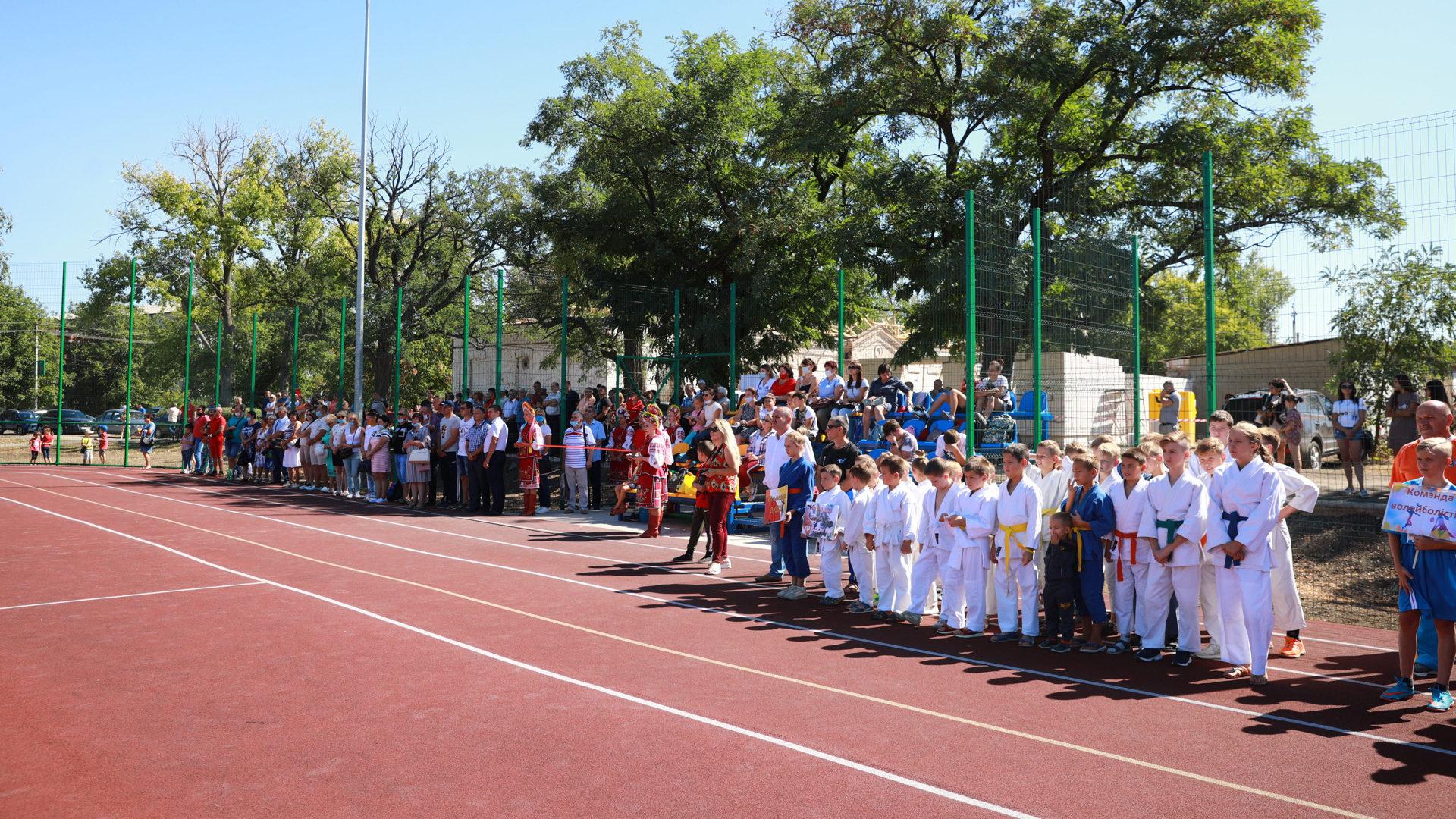 У Запорізькій області збудували новий шкільний стадіон, – ФОТОРЕПОРТАЖ
