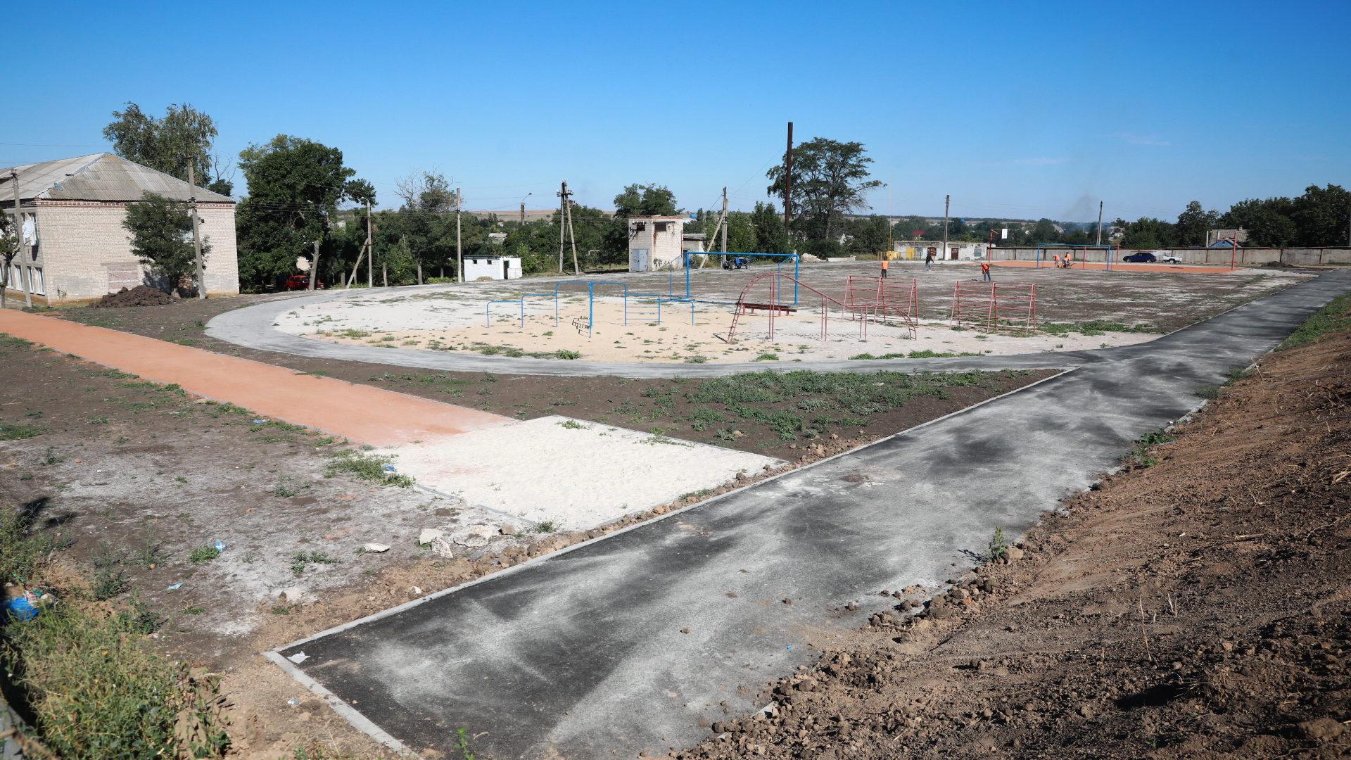 У Запорізькій області за 3 мільйони будують новий шкільний стадіон, – ФОТО