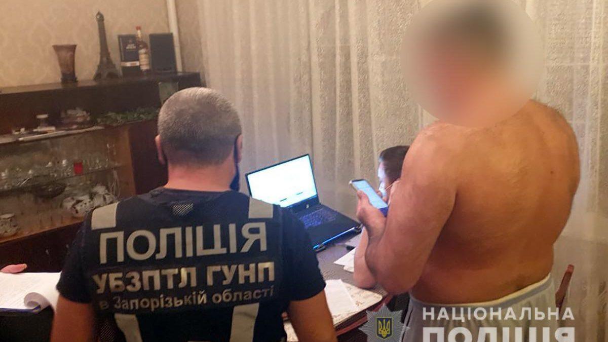 В Запорожье задержали мужчину, который распространял детскую порнографию, – ФОТО