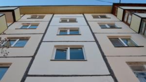 У Запоріжжі госпіталізували жінку, яка випала з 5 поверху