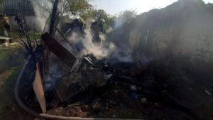 ГСЧС-ники ликвидировали пожар, полностью уничтоживший придомовое сооружение в Запорожской области
