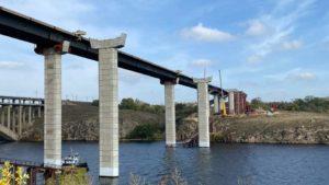 Голова Укравтодору розповів, коли в Запоріжжі завершать будівництво моста між Хортицею та Бабуркою, – ФОТО