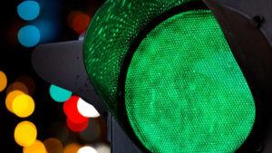 В Запоріжжі автомобіль збив 10-річного хлопчика, який переходив дорогу на зелене світло