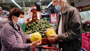 На всіх продуктових ринках Запорізької області порушують карантинні заходи, – Держпродспоживслужба