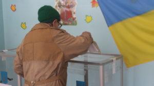 В Запорожской области два избирательных участка начали работу без света