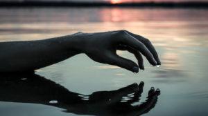 В смт Запорізької області на воді загинула жінка