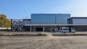За телевізор в Запорізький аеропорт готові віддати більше, ніж він коштує в магазині