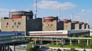 Атомників Запорізької АЕС обкрадали на молоко та сік