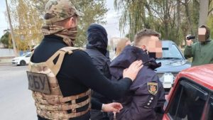 В Запорожской области полицейского-взяточника задержали