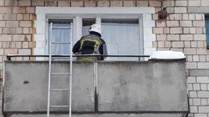 В Запоріжжі у квартирі випадково зачинили 2-річну дитину