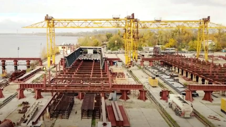 В Запорожье собирают конструкции для строительства вантового моста с левого берега на Хортицу, – ВИДЕО
