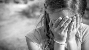 В Запорожской области психически больной педофил поиздевался над двумя 10-летними девочками