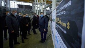 Сегодня президент Украины во время визита в Запорожье посетил завод «Искра», – ФОТО