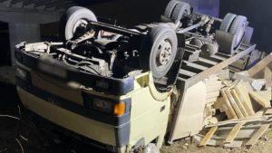 Пьяный водитель сел за руль грузовика и попал в ДТП на острове Хортица