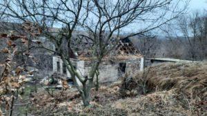 Під Запоріжжям рано вранці згорів будинок: причини невідомі