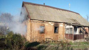 Медики рассказали подробности о пострадавшей в пожаре девушке в Запорожской области