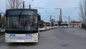 В новогоднюю ночь в Запорожье транспорт будет работать дольше