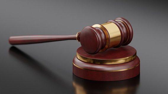 Суд решил не штрафовать маршрутчика за нарушение карантина, ведь тот вез верующих на богослужение