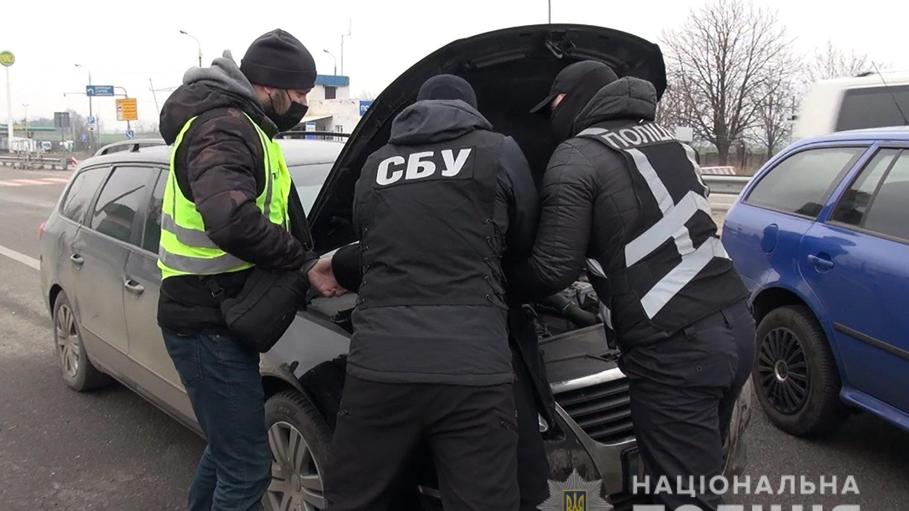 Запоріжець за три тисячі гривень переправляв людей до так званої «ДНР»