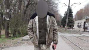 В Запорожье продавец рыбы подрался с активистами, которые сообщили в полицию о стихийной торговле, – ФОТО