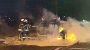 В Запорожье за одну ночь сгорели две иномарки, — ФОТО