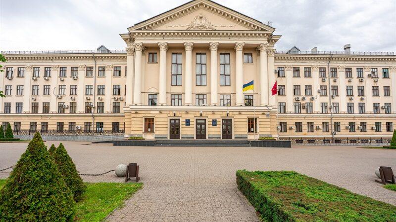 В Запорожье в очередной раз не удалось провести сессию городского совета