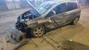 В Запорожье в Космическом районе столкнулись две иномарки, – ФОТО