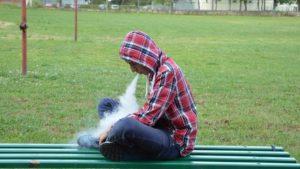 Верховна Рада заборонила продаж електронних сигарет дітям до 18 років