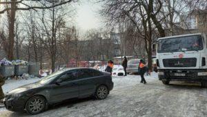 Запорожских водителей призывают не блокировать работу мусоровозов