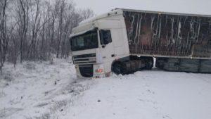 На Запоріжжі вантажівка DAF перекрила рух транспорту