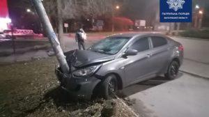 В Запорожье ночью пьяный водитель снес электроопору, – ФОТО