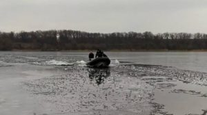 В Запорожье рыбак провалился под лед, – ФОТО