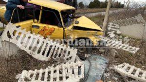 В Запорожской области  пьяный водитель врезался в забор и снес столб, – ФОТО