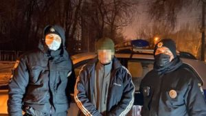В Запорожье полицейские охраны задержали мужчину, который уклонялся от суда, – ФОТО