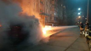 В Запорожье на Песках на улице сгорел Lexus, – ФОТО