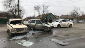 В Запорожской области на перекрестке столкнулись две легковушки: пострадало несколько людей, – ФОТО