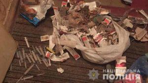 В квартире на Осипенковском мужчина устроил притон с изготовлением наркотиков