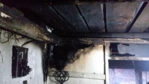 В Запорожской области по неизвестным причинам загорелся дом