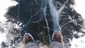 Крига тане: любителів зимової риболовлі в Запоріжжі попереджають про небезпеку