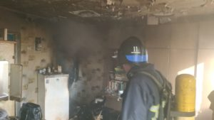 На Запоріжжі у пожежі в багатоповерхівці загинула власниця квартири, – ФОТО