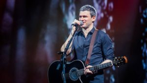 Известный музыкант Арсен Мирзоян рассказал, сколько зарабатывал на «Запорожстали»