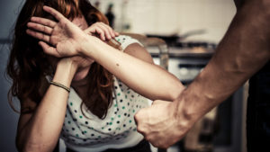 В Запорожье жертвы домашнего насилия смогут получить приют в коммунальном центре помощи